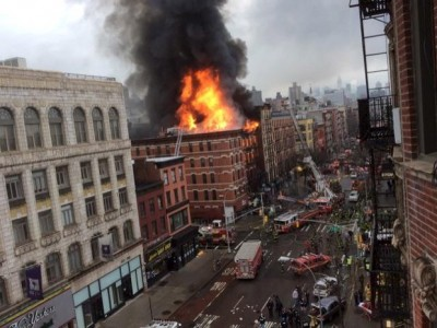 2015-03-26t202240z_1264616517_gf10000039690_rtrmadp_3_usa-new-york-collapse
